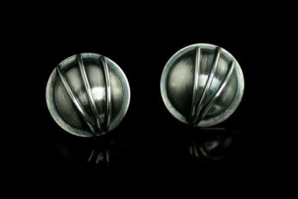 Radiance øredobber i oksidert sølv