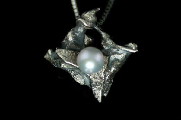 Mystic sølvanheng med perle